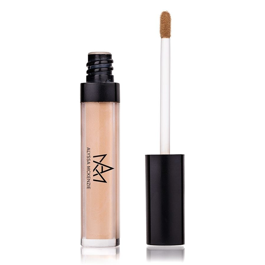 makeup-face-liquid-concealer-open